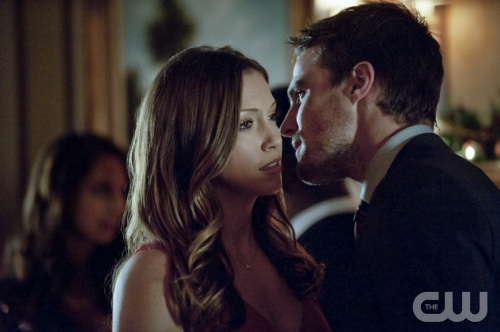 Laurel Lance (Katie Cassidy) and Oliver Queen (Stephen Amell)